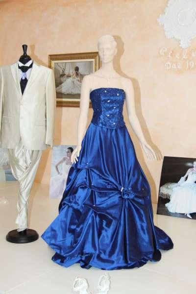... Nuoro). Abiti da Sposa. Abiti da sposa abito da sposa blu in tafetà